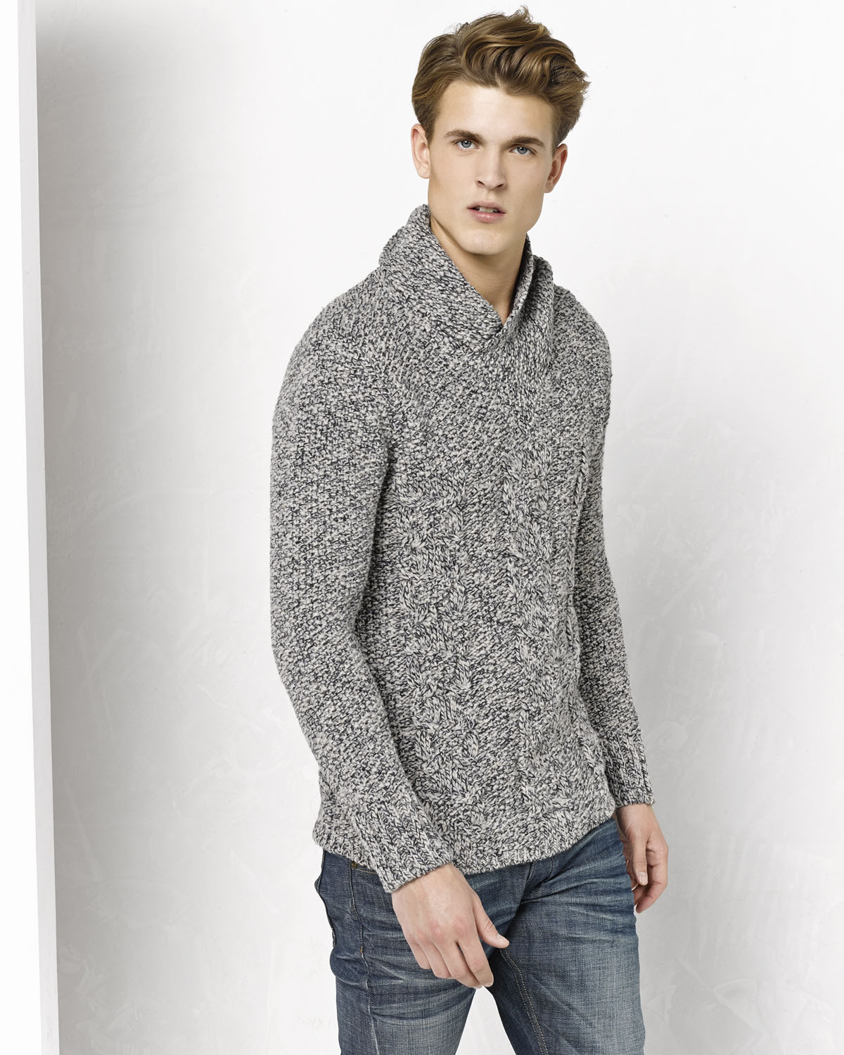 Pull a col roule homme 78243668 we fashion for Pull col roule homme