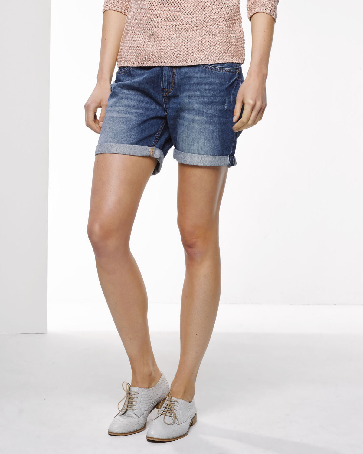 HUE Boyfriend Shorts have been a staple of my wardrobe for years. I love them, so please don't ever stop making them! But I have to say that I don't much care for the shorter rise/crotch and wider leg and cuff of these new ones I just bought. I'm short, and the 93%(15).